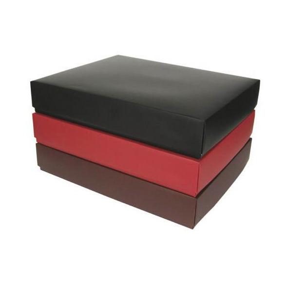 wonderful boite en carton cadeau 7 la petite boite cadeau chic homeezy. Black Bedroom Furniture Sets. Home Design Ideas